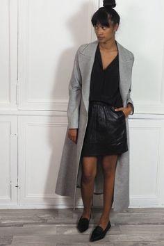 Le manteau long Aurel et la chamise Margaux Lonnberg avec la jupe cuir Athé Vanessa Bruno sur Shopnextdoor.fr :)