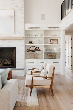 Seattle Project Part One: Entry, Kitchen & Great Room Home Living Room, Living Room Decor, Bedroom Decor, Bedroom Sets, Wall Decor, Interior S, Home Interior Design, Interior Lighting, Modern Room Design