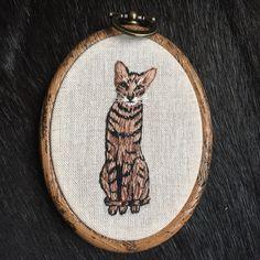 Een persoonlijke favoriet uit mijn Etsy shop https://www.etsy.com/nl/listing/512418629/embroidery-hoop-tabby