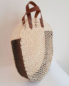 Whether belt bag or mini clutch ? DM◽Kargo free to order Personalize your order! Contact us size, color … Mini Pochette, Crochet Christmas Gifts, Messenger Bag Backpack, Diy Clutch, Ethnic Bag, Net Bag, Macrame Bag, Craft Bags, Summer Bags