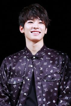 for you, jeon wonwoo Woozi, Jeonghan, Seventeen Wonwoo, Seventeen Debut, Korean Star, Korean Men, Vernon, K Pop, Cuerpo Sexy