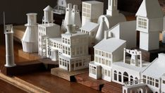 In Scottish artist Charles Young set himself a challenge to build a tiny paper model every day for year. Then, 365 paper houses, churches, bridg. Kirigami, Paper Architecture, Maquette Architecture, Architecture Design, Paper Structure, Cardboard Sculpture, Young Art, Paper Ornaments, Ideas Geniales