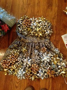 Christmas bow dress tutorial part 1 crafts diy pinterest how to diy tacky christmas bow costume dress almost identical to what i did last year solutioingenieria Choice Image