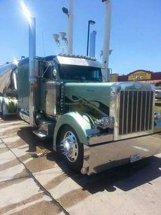 Custom Peterbilt 379 with tanker Custom Peterbilt, Peterbilt 379, Peterbilt Trucks, Semi Trucks, Big Trucks, Road Train, Custom Trucks, Reyes, Vehicles