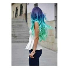 Capelli arcobaleno intrecciati ❤ liked on Polyvore featuring hair