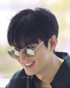 Lee Min Ho Images, Lee Min Ho Photos, Korean Celebrities, Korean Actors, Lee Min Ho Smile, Le Min Hoo, Korean Men Hairstyle, Boy Poses, Short Hair