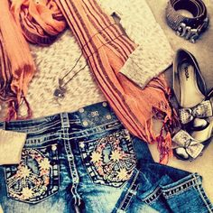 Perfect outfit with Miss Me Jeans! Get your Miss Me Jeans from http://www.desotowarehouse.com/