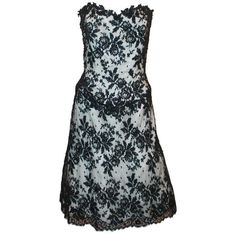 Preowned Vicky Tiel Black & White Lace Strapless Dress W/ Beading - 44 ($900) ❤ liked on Polyvore featuring dresses, white, black white dress, black and white dresses, white lace cocktail dress, black white corset and white cocktail dresses