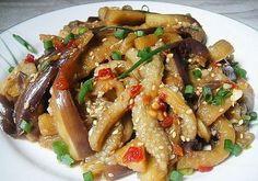 Баклажаны по-корейски Ингредиенты: баклажан 2 шт перец болгарский 3 шт лук репчатый 1 шт морковь 1 шт чеснок 5-6 зубчиков сахар 1 ч.л соевый соус 2 ст.л уксус 9% 30 мл кунжут 1 ст.л