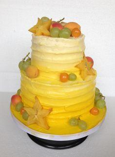 Gelb Ombré Farbverlauf Torte Mit Früchten | Weintrauben | Sternfrucht |  Physalis | Buttercreme | Pfirsich