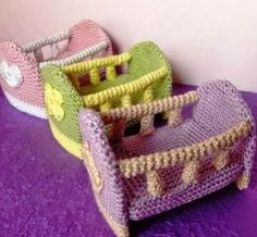 FREE - CROCHET - Ravelry: Mini-Crib pattern by K.These are perfect for your little creations! size is x x 10 cm) Crochet Fairy, Cute Crochet, Crochet For Kids, Crochet Dolls, Crochet Furniture, Doll Furniture, Accessoires Barbie, Crochet Patron, Crochet Barbie Clothes