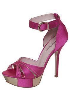 #shoes: Sandália Laura Porto Metalizado Rosa R$349.90