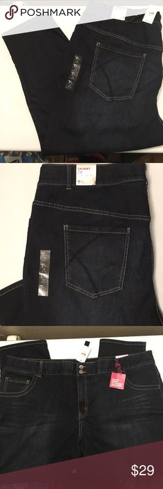 """Lane Bryant tummy control short jeans NEW Lane Bryant Tighter Tummy Technology jeans. Built in tummy control panels. Firms and flattens your tummy. No gap waistband NWT Inseam approximately 25"""" 🌺💐 Lane Bryant Jeans Skinny"""