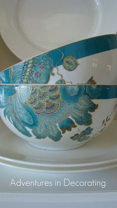 May not be vintage but OOOOOOHHHH, that color.  YUM! #floral #teacup #bowl #chinoiserie #china_dishes #porcelain