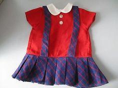 schoenes-altes-Kleid-Schulmaedchen-22P