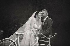 Nevesta vo svadobných šatách od španielskej návrhárky Tiny Valerdi Concert, Concerts