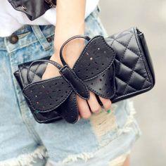Shoespie Chic Clutch Handbag From The Plus Size Fashion Community At www.VintageAndCurvy.com