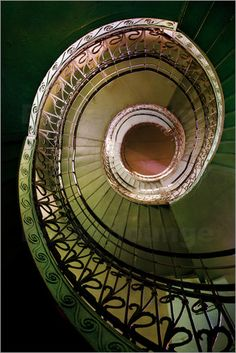 Poster Metal spiral ornamented staircase