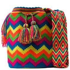 bolsos a mano Etnicos muchos colores Filet Crochet, Crochet Stitches, Knit Crochet, Crochet Patterns, Tapestry Bag, Tapestry Crochet, Crotchet Bags, Mochila Crochet, Weaving Art