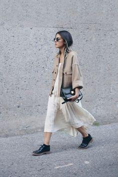 Omdat neutrale tinten nooit uit de mode, goochelt de fashionista graag met zwart, 50 tinten grijs en wit. Ookgreigemag niet ontbreken. - Pagina 3 van 9