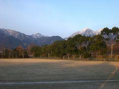 菰野町大羽根園地区 鎌ヶ岳、御在所岳 早朝散歩風景  平成25年2月26日撮影