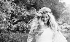 Blonde carefree boho bride