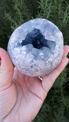 Minerals And Gemstones, Crystals Minerals, Rocks And Minerals, Crystal Healing Stones, Stones And Crystals, Gem Stones, Quartz Crystal, Geode Rocks, Crystal Aesthetic