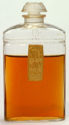 1920s 'Styx' by Coty, made by Coty's own glassworks and not by Lalique, So, what does it smell like? It is green, mossy and quite beautiful in its composition.  Top notes: bergamot, carnation, ylang ylang, galbanum Heart notes:  orris, incense, violet Base notes:   amber, patchouli, sandalwood, vanilla,  benzoin, woods, musk and oakmoss.(photo by perfumeprojects)