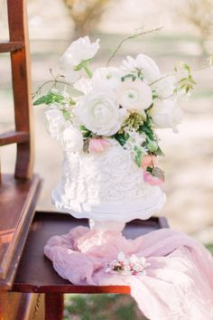 Get beautifully romantic Almond Orchard Wedding ideas for a fresh spring wedding, with lush, pastel-colors - simply bursting with florals! Amazing Wedding Cakes, Elegant Wedding Cakes, Floral Wedding, Wedding Desserts, Wedding Themes, Wedding Decorations, Fairytale Weddings, Romantic Weddings, Belle Bridal
