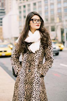 I love this retro feel animal print coat . Animal Print Fashion, Fashion Prints, Animal Prints, Peony Lim, Leopard Print Coat, Leopard Jacket, Cheetah Print, Fashion Beauty, Womens Fashion