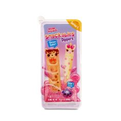 Num Noms Snackables Dippers makes playing with your food fun! Unbox an explosion of scented, bite-sized snacks. Num Noms Snackables are not edible. Baby Girl Toys, Toys For Girls, Sparkly Slime, Num Noms Toys, Shopkins Cutie Cars, Yummy World, Lol Dolls, Dipper, Cute Toys