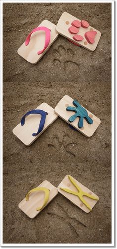 Sandals for kids that make animal prints in the sand.