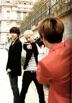 Eunhyuk & Kyuhyun, Not sure who is taking the picture of them in this picture.