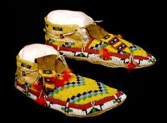Moccasin with Twisted Design, Cheyenne Tribe, 1958, courtesy of Wyoming State Museum