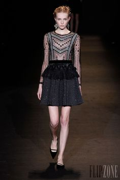 Alberta Ferretti - Ready-to-Wear - Fall-winter 2013-2014 - http://en.flip-zone.com/fashion/ready-to-wear/fashion-houses-42/alberta-ferretti-3570 - ©PixelFormula