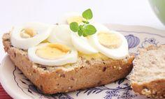 Fem proteinrike pålegg og to grovbrød-oppskrifter