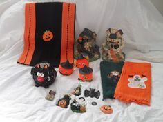 Halloween Table Decoration Lot with 2 Houses Fridge Magnets 15 Pieces