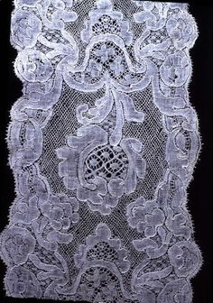 Lace c. Antique Lace, Vintage Lace, Linens And Lace, Something Old, Lace Making, Bobbin Lace, Doilies, Tatting, Needlework