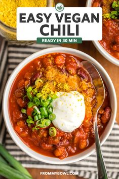 This Easy Vegan Chili Recipe is healthy and the perfect cozy meal for chilly days! It's packed with protein and fiber thanks to beans & veggies. There's nothing better to welcome fall and cooler temps with a hearty bowl of chili! Check it out! Chili Recipes, Healthy Soup Recipes, Vegan Recipes Easy, Vegetarian Recipes, Easy Vegan Chili, Easy Vegan Dinner, Cozy Meals, Best Vegan Breakfast, Beans