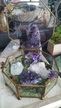 thecrystaljypsy: A pretty little crystal garden featuring. Diy Crystals, Crystals Minerals, Rocks And Minerals, Crystals And Gemstones, Stones And Crystals, Black Crystals, Crystal Room, Crystal Decor, Crystal Grid