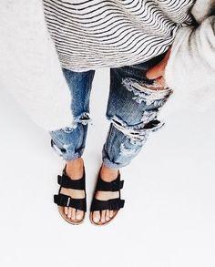 distressed boyfriend jeans + birkenstocks