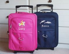 This adorable suitcase is the perfect fit for your little one! Find personalized kids luggage options with a fun selection of images at Kids Travel Zone! Kids Luggage Sets, One Suitcase, Designer Luggage, Hardside Luggage, Carry On Luggage, New Kids, Travel With Kids, Travel Style, Little Ones