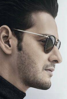 Mahesh babu💕 Mahesh Babu Wallpapers, Allu Arjun Wallpapers, South Hero, Vijay Actor, Chennai Super Kings, Galaxy Pictures, Vijay Devarakonda, Cool Hairstyles For Men, Spiderman Art