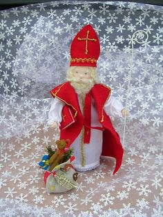 St. Nikolaus Felt Crafts, Diy Crafts, St Nicholas Day, Waldorf Crafts, Holidays Around The World, Clothes Pegs, Nature Table, Christmas Crafts, Christmas Stuff