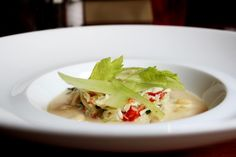 Crab with white beans passatina, parmesan cheese, lemon and thyme Lunch Menu, White Beans, Parmesan, Lemon, Appetizers, Restaurant, Cheese, Business, Ethnic Recipes