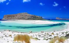 Balos Beach, Crete, Greece // Beautiful Islands Around the World Crete Island, Island Beach, Island Blue, Dream Vacations, Vacation Spots, Vacation Travel, Travel Deals, Most Beautiful Beaches, Beautiful Places