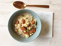 I Love Health | Almond oatmeal with pear, milk, breakfast, healthy, recipe  | http://www.ilovehealth.nl