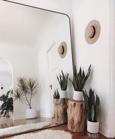 Make small spaces seem larger with a giant mirror. This idea will evolve any room into a beautiful clean space. Make small spaces seem larger with a giant mirror. This idea will evolve any room into a beautiful clean space. Decoration Bedroom, Diy Home Decor, Home Ideas Decoration, Asian Home Decor, Decoration Table, Tree Stump Side Table, Giant Mirror, Huge Mirror, Big Mirrors