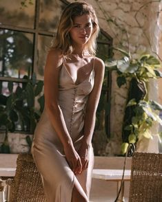 Satin Dresses, Sexy Dresses, Dress Outfits, Casual Dresses, Fashion Outfits, Summer Dresses, Tumbrl Girls, Do It Yourself Fashion, Gold Dress