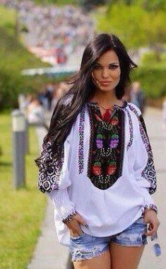 Embroidered blouse from Ukraine, from Iryna Ukraine Women, Ukraine Girls, Shirt Embroidery, Embroidered Blouse, Folk Fashion, Retro Fashion, Ethno Style, My Outfit, Casual Outfits